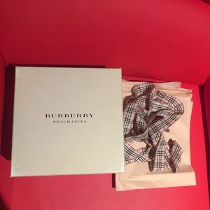 Burberry Makeup - Burberry box, tissue & long ribbon